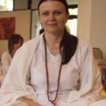 "<a href=""https://hridaya-yoga-fr.secure.retreat.guru/teacher/simona-trandafir-2/"">Simona Trandafir</a>"
