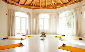 4 Night Summer & Beach Yoga Holiday - Granada, Spain