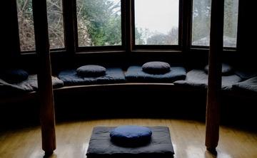 Essential Buddhist Teachings on Awakening: The Path of Theravada Insight Meditation