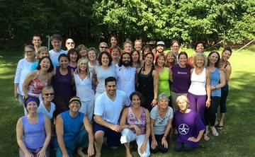 3-Day Akhanda Yoga® Retreat in Caroline, AB (Canada)