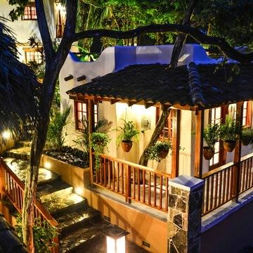 Sansara Surf & Yoga Resort