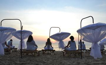 Yoga- und Meditations- Retreat (in deutsch)  mit Workshop Thai Yoga Massage an einem der schönsten Plätze Thailands