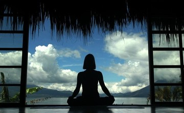 Holistic Lifestyle Coaching: Yoga and Face Yoga, Raw Food Facials, Cacao Ceremony and Henna