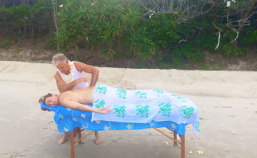 Couples Retreat: Learn Hawaiian Massage in Beautiful Byron Bay