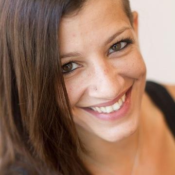 Nathania Stambouli