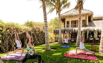 8 Days Women's Surf and Yoga Retreat in Peru