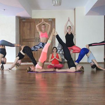 200H Ashtanga Vinyasa Yoga TEACHER TRAINING COURSE with Yoga Alliance USA and UK certification FOOD & ACCOMODATION, INCLUYED