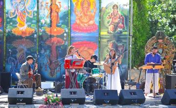 "The 3rd Annual ""One Shared Heart"" Bhakti Immersion for Women with Luna Ray"