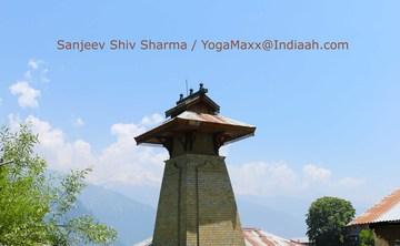 Himalayas with YogaMaxx !