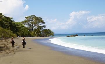 SwellWomen Costa Rica Surf & Yoga Retreat