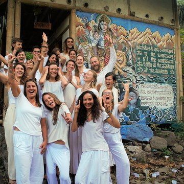 Love Evolve Awaken - Classical Hatha Yoga Teacher Training RYT-200 with 4-day Silent Meditation Retreat