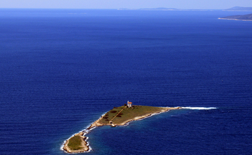 Sound and Silence Retreat on a lighthouse islet in Croatia