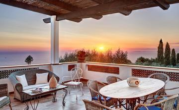 Italy Yoga retreat Amalfi coast private luxury Villa