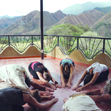 250/300 hr Classical Tantric Hatha Yoga Teacher Training – Ecuador