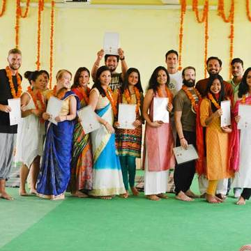100 Hour Yoga Teacher Training in Rishikesh, India