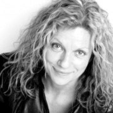 Lori Dell