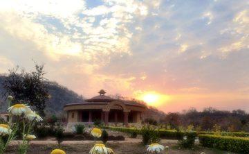 Sage Wisdom: Tantra + Shakti 100hr. India Retreat