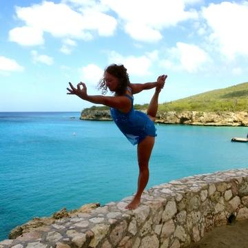 BALI BLISS WOMEN'S HEALTH + YOGA RETREAT 2017