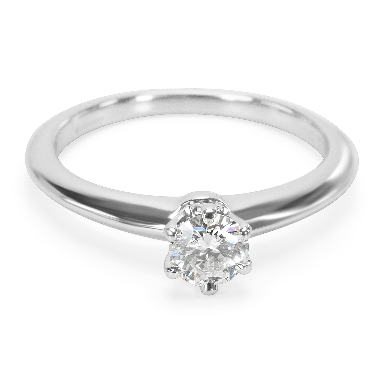 1e4e65007f3a4 Tiffany & Co. Anel de noivado diamante Em Platina F VS1 0.31 Ctw   eBay