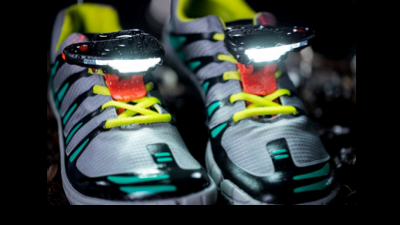 Night_runner_shoes_h_20160203