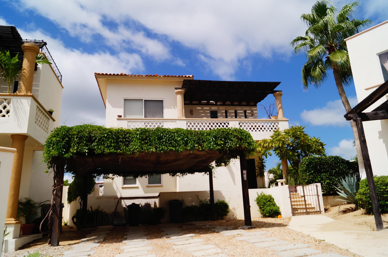 Camino al Tezal, Cabo Corridor