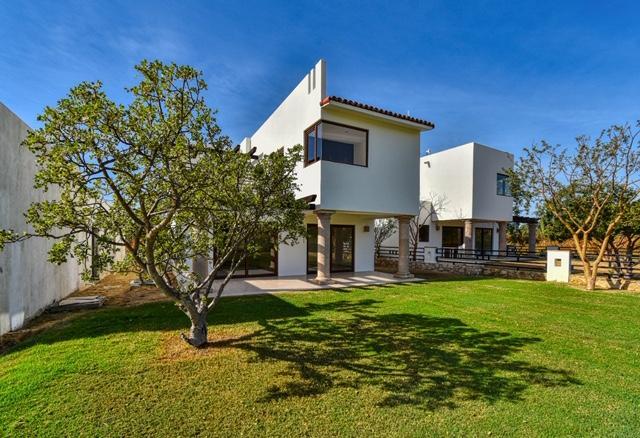 42 Palo Blanco, Cabo Corridor