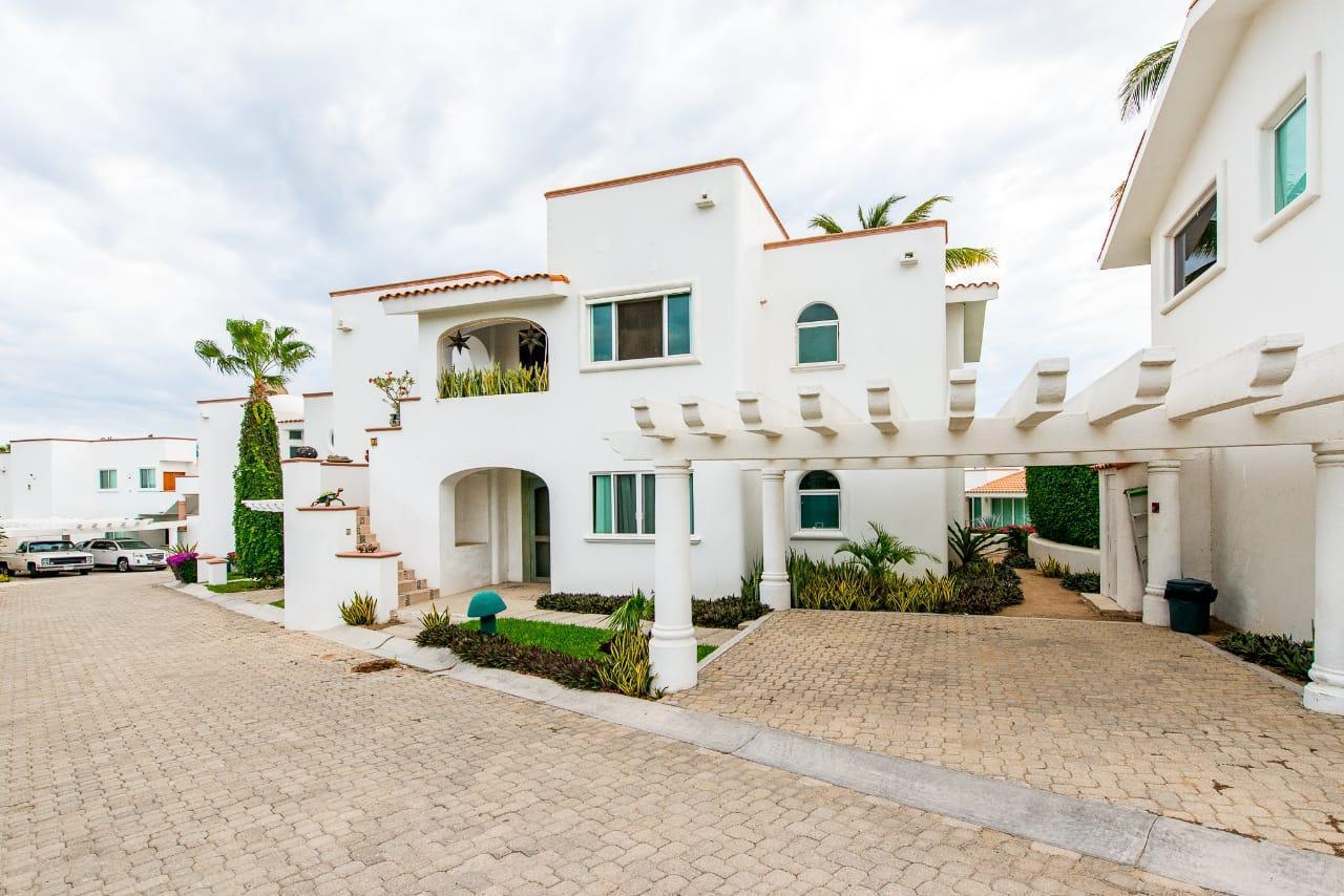 Villas Neptuno, Cabo Corridor