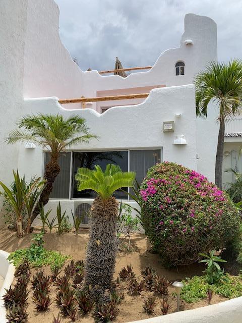 s n Crispin Cecena, Cabo Corridor