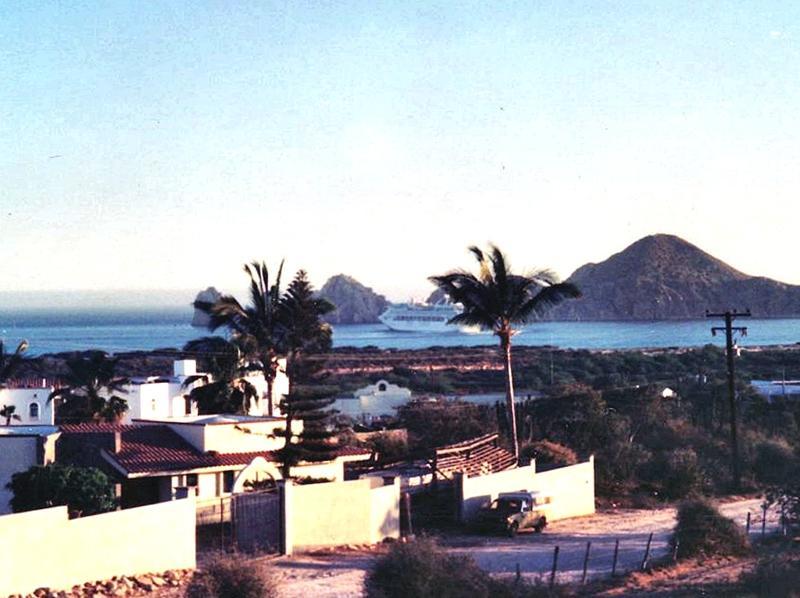 Av Crispen Cesena, Cabo Corridor