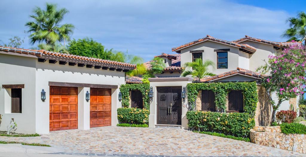 13 Club Villas, San Jose Corridor