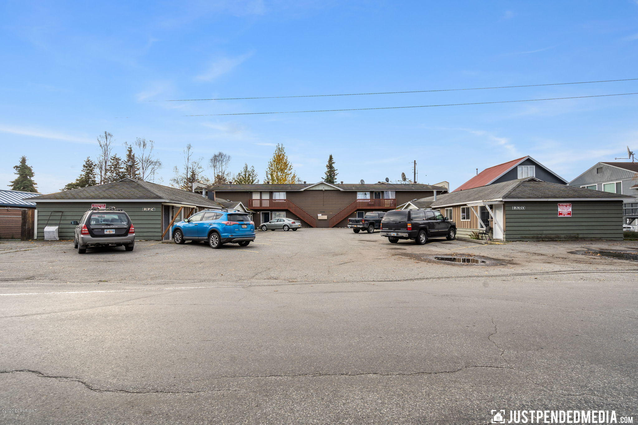 1324 W 25th Avenue, Anchorage, AK 99503