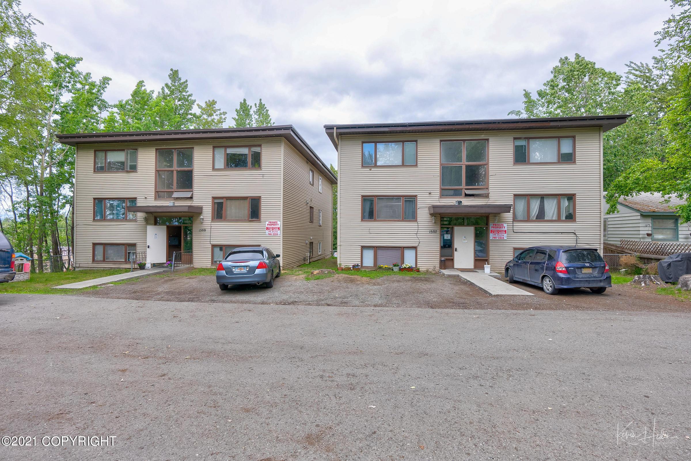 1507 W 45th 1509 Avenue, Anchorage, AK 99503