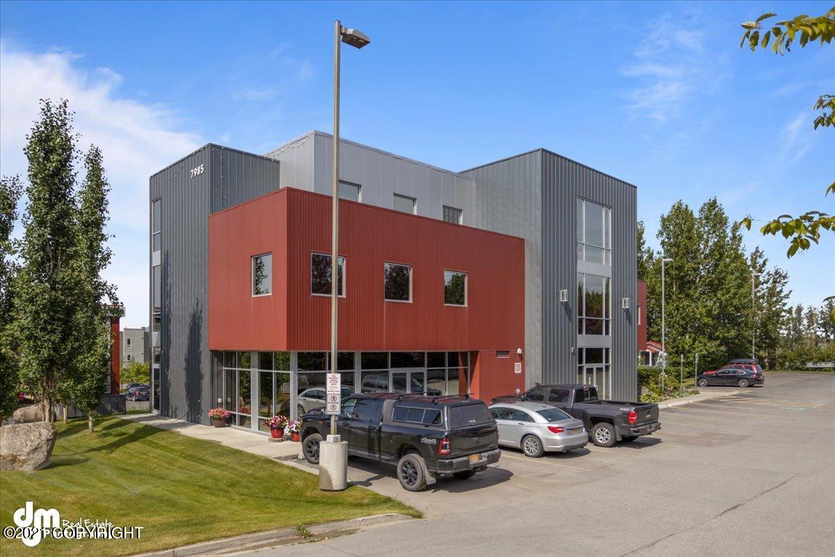 7985 E 16th Avenue, Anchorage, AK 99504