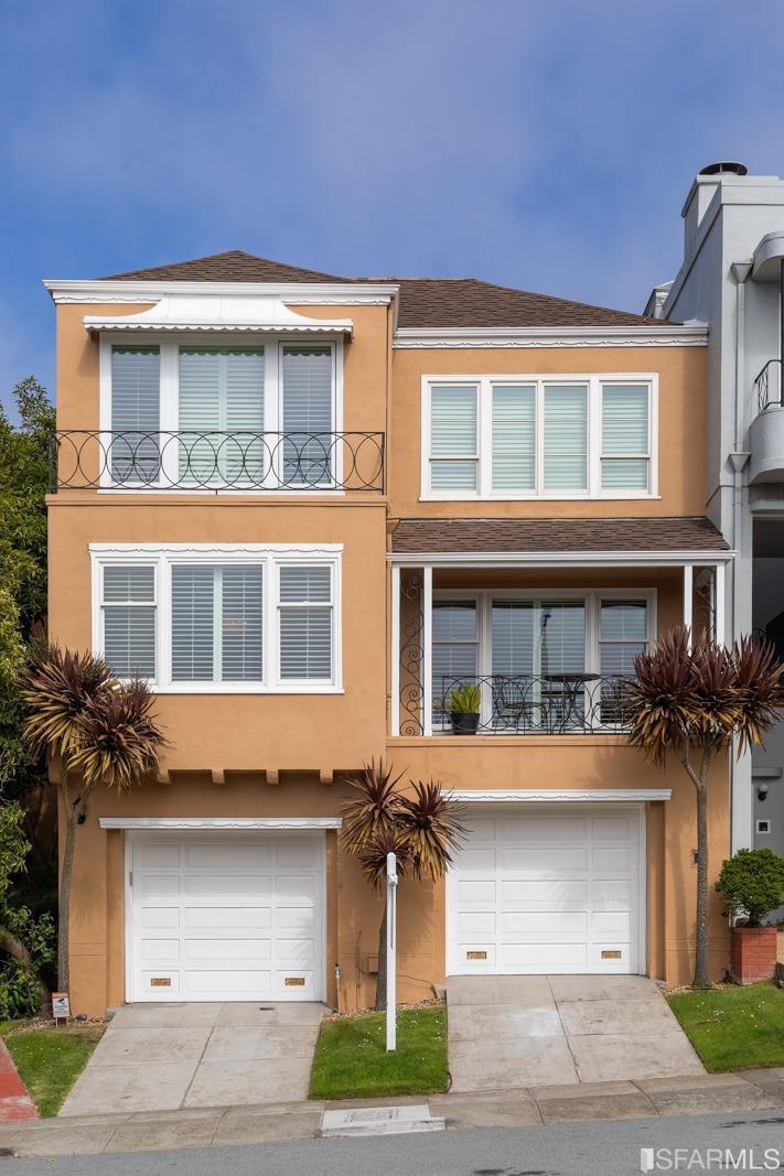32 Collins Street, San Francisco, CA, 94118