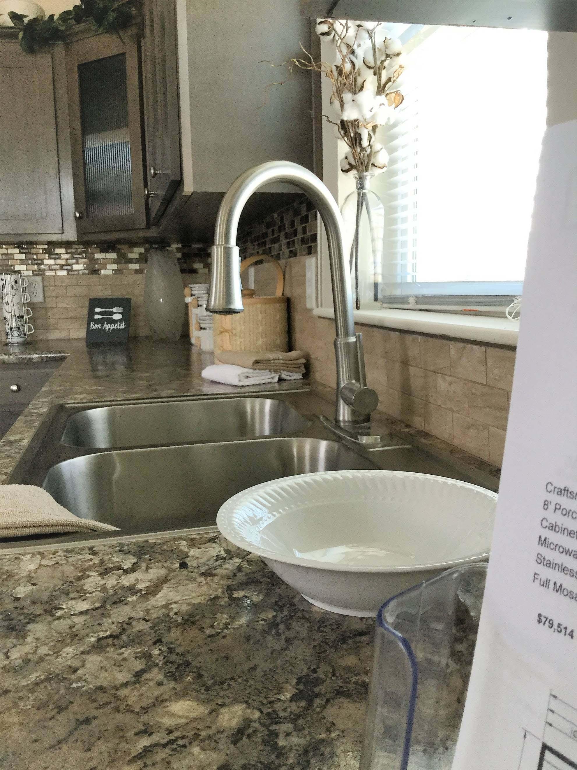 Cedar Canyon / 2078 LS - Kitchen
