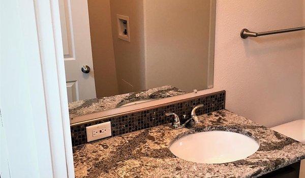 Cedar Canyon / 2070 - Bathroom