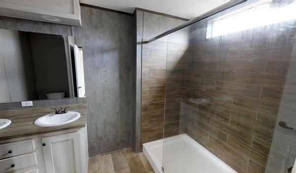 Decision Maker / 16803W - Bathroom