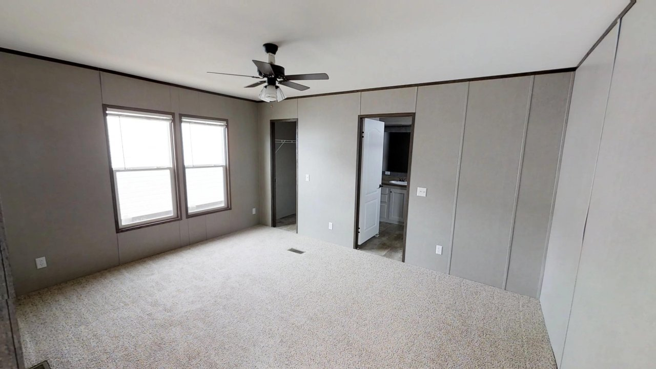 Decision Maker / 16803W - Bedroom