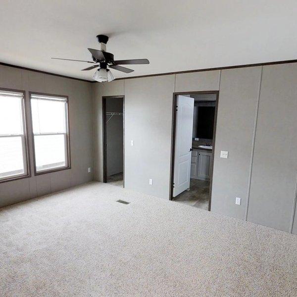 Bedroom Maker: Texas Built Mobile Homes