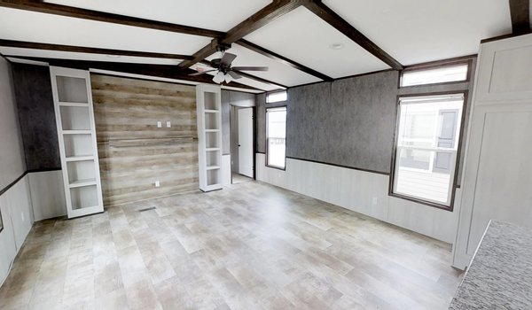 Decision Maker / 16803W - Interior
