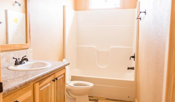 Sky Ranch / E222 Kerr - Bathroom