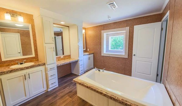 Land/Home Packages / LH-305 - Bathroom