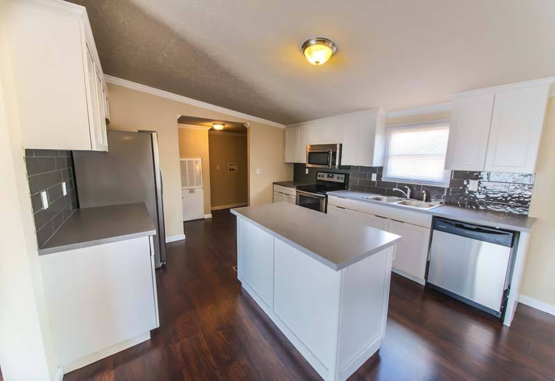 Land/Home Packages / LH-213 - Kitchen