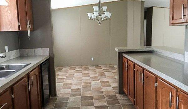 Palm Harbor / 273651 - Kitchen