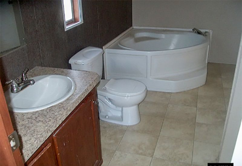 Redman / Titan Gross 264750 - Bathroom