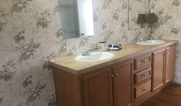 Oakcreek / Acorn 339846 - Bathroom