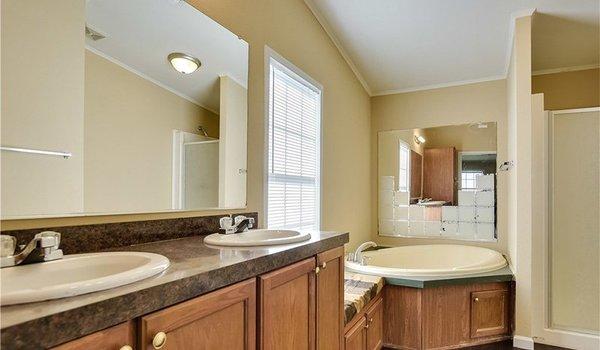 HBOS / LH-295 - Bathroom