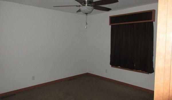 Friendship / Friendship 32x48 (202663) - Bedroom
