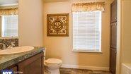 Cedar Canyon 2083 LS Bathroom