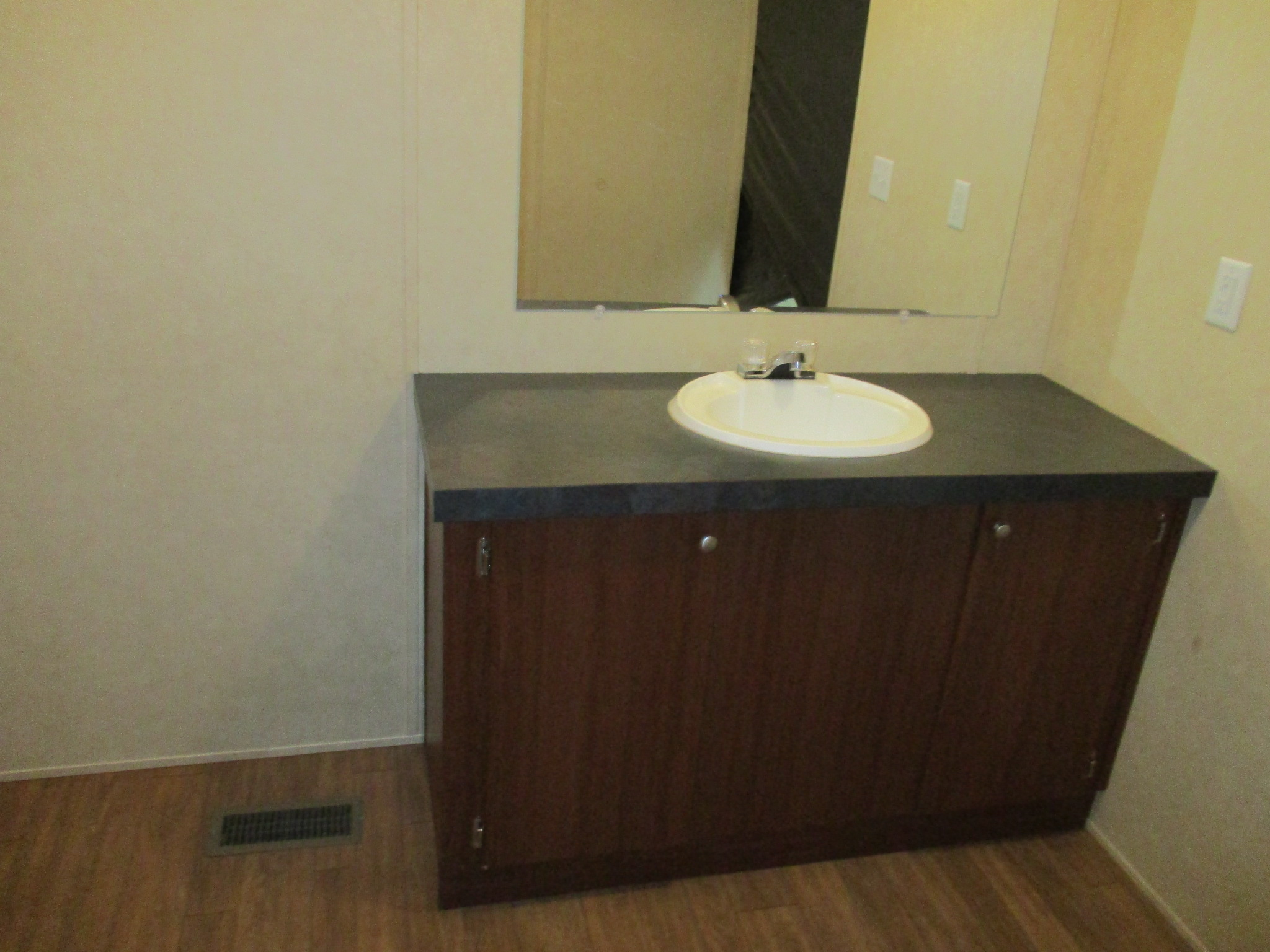 Clayton / Clayton 28x60 (202432) - Bathroom